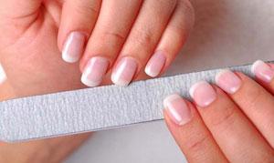 Белые пятна на ногтях: причины появления и способы борьбы с ними