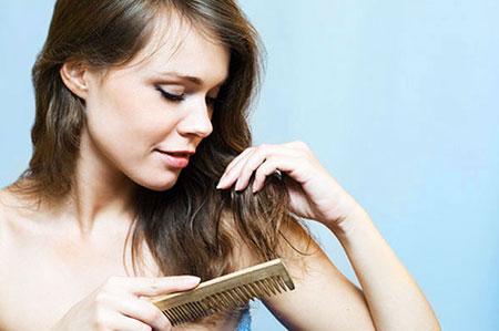 Почему волосы выпадают после родов