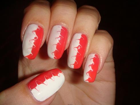 рисунок зигзаги на ногтях