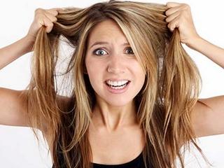почему стали выпадать волосы у женщин