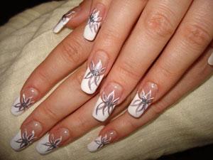 Вариации френча на нарощенных ногтях