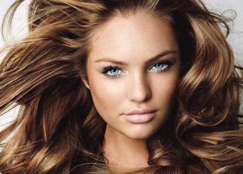 волосы с прекрасным объемом