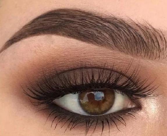 Мейкап для глаз орехового цвета