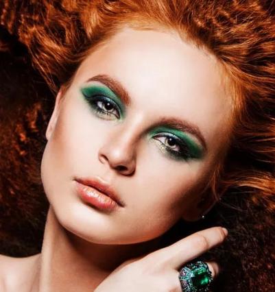 макияж для рыжих с зелеными глазами