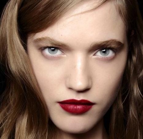 макияж яркая помада