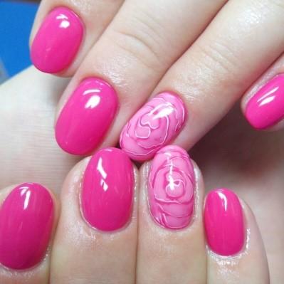 ярко-розовые ногти
