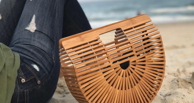 Полукруглые сумки из бамбука