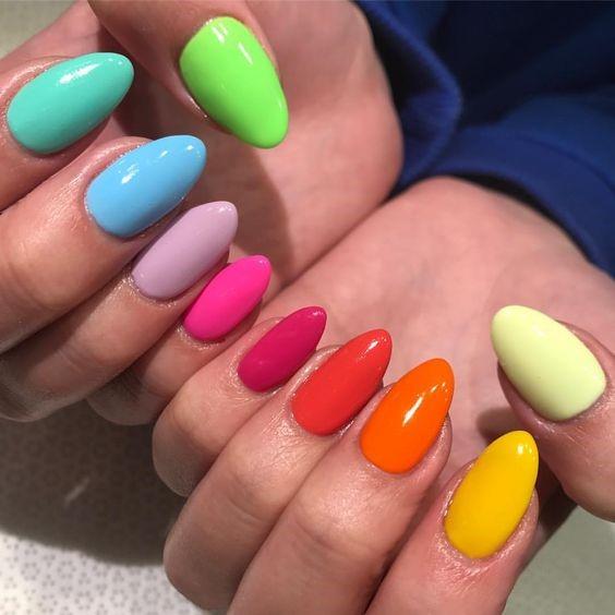 Радужные ногти